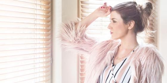 na fotke je speváčka Lea Danis - Stella Production
