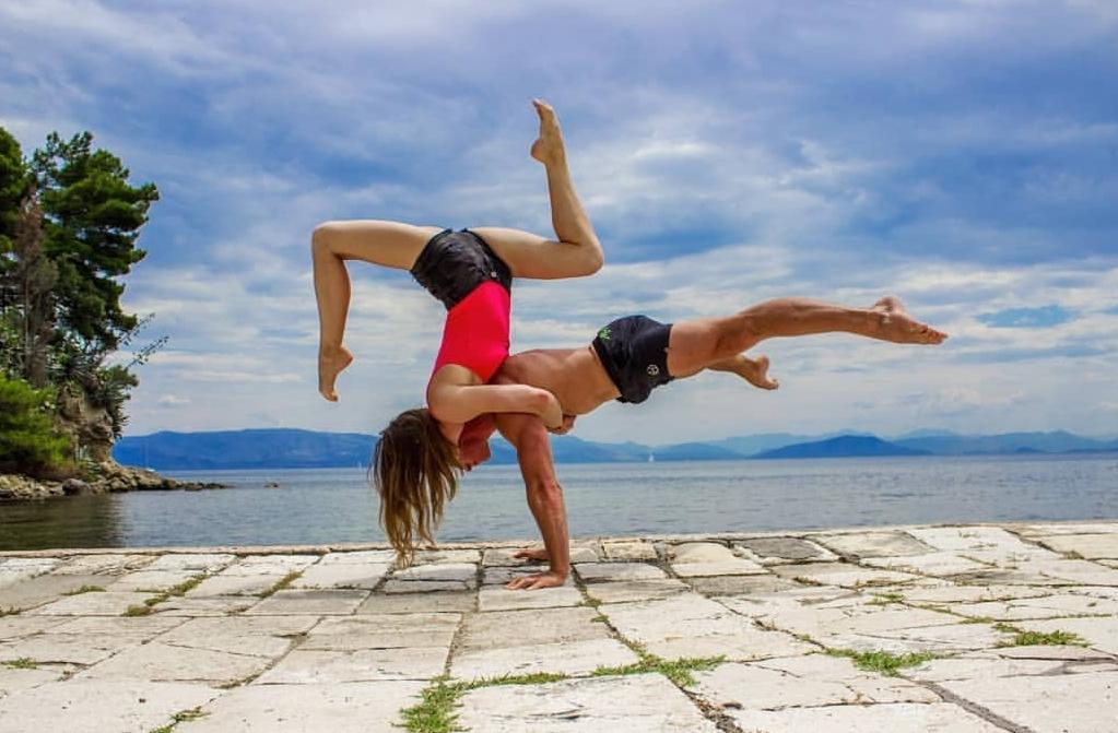 na fotke je akrobat Richard Simoník | agentúra Stella Production